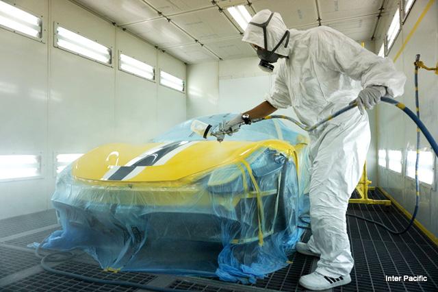 スプレーで塗装するペイント・プロテクションフィルム