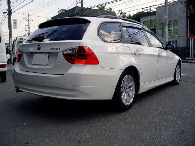 BMW 320i ツーリング 修理