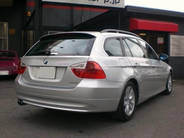 BMW 325i ツーリング 板金塗装