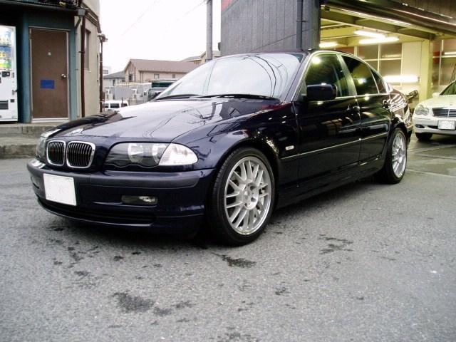 BMW 323i-20070413